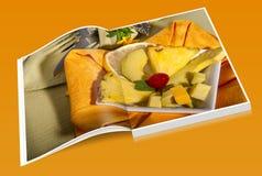 Książkowy ananas i avocato zdjęcie royalty free