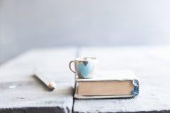 Książkowy tła, edukaci lub nauki pojęcie, obrazy royalty free