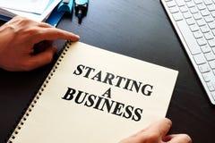Książkowy Zaczynać biznes zdjęcia stock