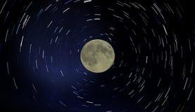 Księżyc i gwiazdy ślada Fotografia Royalty Free
