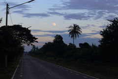 Księżyc na zmierzchu Obrazy Stock