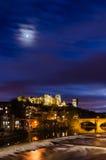 Księżyc nad Durham miasto przy półmrokiem obraz royalty free