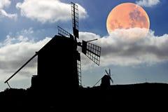 księżyc nad położenia spanish wiatraczkami obraz royalty free