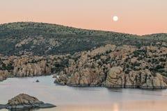 Księżyc Nad Watson jeziorem Obraz Stock
