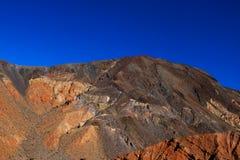 Księżyc Nad Zabriskie punktu mułowami tworzy badlands Śmiertelnego Dolinnego parka narodowego Kalifornia zdjęcia stock