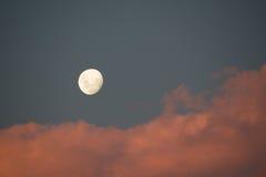 Księżyc przy wschodem słońca Zdjęcia Stock