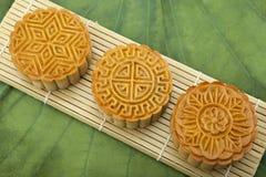 Księżyc tort tradycyjny tort wietnamczyk - Chiński w połowie jesień festiwalu jedzenie Obrazy Royalty Free