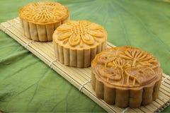 Księżyc tortowy tradycyjny tort wietnamczyk - Chiński w połowie jesień festiwalu jedzenie Zdjęcia Stock