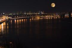 Księżyc w pełni i Kijów Fotografia Royalty Free
