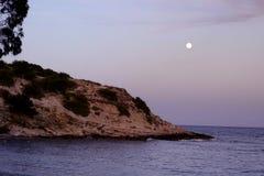Księżyc w pełni na hiszpańskim wybrzeżu fotografia royalty free