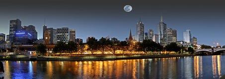 Księżyc w pełni nad Melbourne Zdjęcia Royalty Free