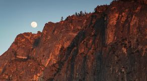 Księżyc w pełni przy Yosemite Obrazy Royalty Free