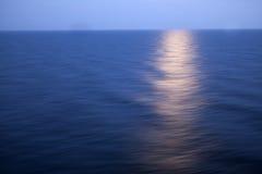 Księżycowa ścieżka na morzu Obraz Stock