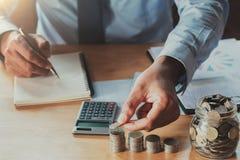 Księgowości i oszczędzania pieniądze finanse zdjęcie royalty free