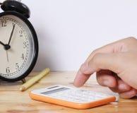 Księgowości pojęcia kalkulator i ręki Fotografia Royalty Free