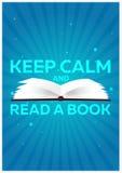 Książkowy plakat Utrzymanie spokój i Czytający książkę Otwiera książkę z tajemniczym jaskrawym światłem na błękitnym tle również  Zdjęcia Royalty Free