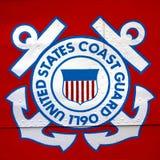 Küstenwache Vereinigter Staaten Shield Emblem auf Schiff Lizenzfreies Stockbild
