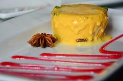 Köstlicher indischer Nachtisch der Mango-Eiscreme Stockfotografie
