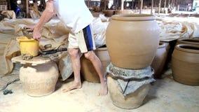 Kształtujący krok robić smoka słojowi zdjęcie wideo