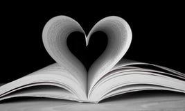 kształtujący książkowy serce Obraz Stock