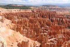 Kształtuje teren amfiteatrów kominów Bryka czerwonawego czarodziejskiego jar fotografia royalty free