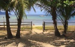 Kształtuje teren plażę Nacpan Wyspa Palawan Fotografia Stock