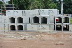kształta precast betonu odciek Zdjęcia Stock