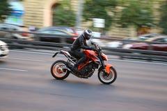 KTM公爵 Steetbike在莫斯科 库存图片