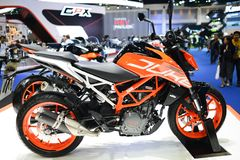 KTM-Hertog 390 bij KTM-tentoonstellingscabine bij de MOTORshow 2018 van BANGKOK in Bangkok, Thailand royalty-vrije stock foto's