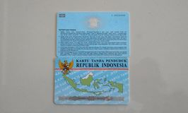 KTP und SIM sind Personalausweise für indonesische Staatsbürger lizenzfreie stockfotos