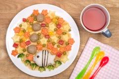 Köttbullar med grönsaker och ris Arkivbilder