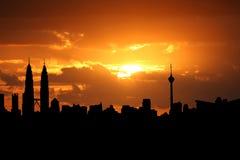 Kuala Lumpur en la puesta del sol Foto de archivo libre de regalías