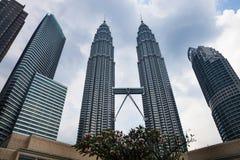 KUALA LUMPUR - 15 febbraio: Vista delle torri gemelle di Petronas il 1° febbraio Fotografia Stock Libera da Diritti