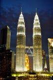 Kuala Lumpur kopplar samman torn Arkivbild