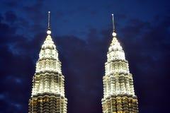 Kuala Lumpur kopplar samman torn Royaltyfri Foto