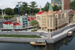 Kuala Lumpur Malaisia - Oktober 13: Fragment stora storslagna Maket Gatan port och kopplar samman byggnader Arkivfoto