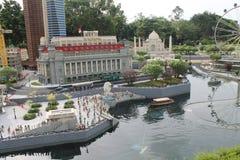 Kuala Lumpur Malaisia - Oktober 13: Fragment stora storslagna Maket Gatan port och kopplar samman byggnader Arkivfoton