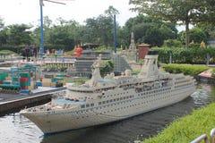 Kuala Lumpur, Malaisia - 13 ottobre: Frammento grande grande Maket Via, porto e costruzioni dei gemelli Immagini Stock Libere da Diritti