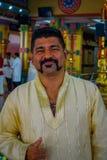 Kuala Lumpur, Malaisie - 9 mars 2017 : Invité non identifié dans une célébration indoue traditionnelle de mariage L'hindouisme es Photographie stock