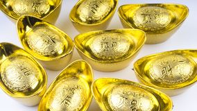 Kuala Lumpur, Malasia - 13 de diciembre de 2017: Primer del nuevo oro chino Sycees de Year's o del lingote del oro Imagenes de archivo