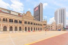 KUALA LUMPUR, MALAYSIA - 14. AUGUST 2016: Das Sultan Abdul Samad-Gebäude, die alte Post und nationale das Textilmuseum im August Lizenzfreie Stockbilder