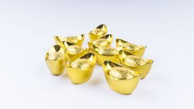 Kuala Lumpur Malaysia - December 13, 2017: Closeup av kinesiska nya Year's guld- Sycees eller guldtacka Arkivfoton