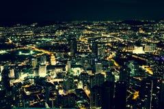 Kuala Lumpur, Malaysia, Dezember 19,2013: Türme Kiloliters Petronas am nig Lizenzfreie Stockfotos