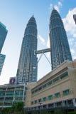 KUALA LUMPUR, MALAYSIA - 29. FEBRUAR: Petronas-Twin Tower durin Stockfotos