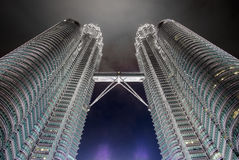 KUALA LUMPUR, MALAYSIA - 29. FEBRUAR: Petronas-Twin Tower im Februar Lizenzfreie Stockbilder