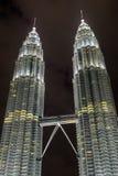 KUALA LUMPUR, MALAYSIA - 29. FEBRUAR: Petronas-Twin Tower an Ni Lizenzfreie Stockbilder