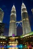 KUALA LUMPUR, MALAYSIA - 29. FEBRUAR: Petronas-Twin Tower und c Stockbilder