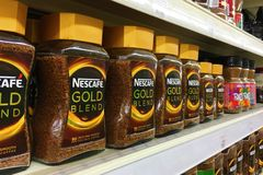Kuala Lumpur, Malaysia am 30. November 2016 - Nescafé-Goldmischung Stockbild