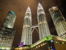 KUALA LUMPUR, MALEISIË - 29 FEBRUARI: Petronas Tweelingtorens beroemd Stock Foto's