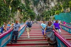 Kuala Lumpur, Maleisië - Maart 9, 2017: De ingangsstappen aan Batu holt, een kalksteenheuvel met groot en klein holen en hol uit Royalty-vrije Stock Afbeeldingen